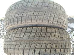 Bridgestone Blizzak Revo2. Зимние, без шипов, 2012 год, износ: 20%, 2 шт
