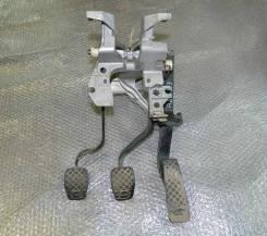 Педаль. Audi 80
