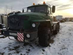 Урал. Продам седельный тягач УРАЛ-43204 со спальником, 16 000 куб. см., 25 000 кг.