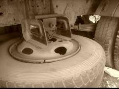 Крепление запасного колеса. Isuzu Elf