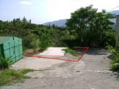 Продам участок в Ялте, Республика Крым. 100 кв.м., собственность, электричество, вода, от агентства недвижимости (посредник)