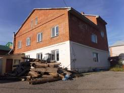 Продам коттедж 462 кв. м. + дом 104 кв. м., участок 900 кв. м. Улица Свирская 27, р-н Железнодорожный, площадь дома 462 кв.м., централизованный водоп...