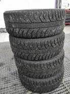 Bridgestone Ice Cruiser 7000. Зимние, шипованные, 2011 год, износ: 50%, 4 шт