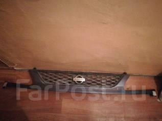 Решетка радиатора. Nissan Serena