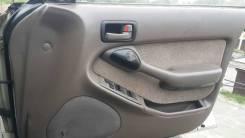 Обшивка двери. Toyota Camry Prominent, VZV33 Toyota Camry, SV32, VZV32, SV33, SV35, VZV30, VZV31, VZV33 Toyota Vista, SV35, VZV32, VZV31, SV33, VZV33...