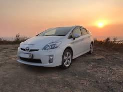Toyota Prius. автомат, передний, 1.8 (99 л.с.), бензин, 64 000 тыс. км