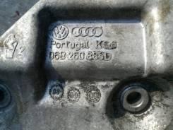 Крепление компрессора кондиционера. Volkswagen Passat, 3B3, 3B6 Audi A4, B5, B6 Audi S6, 4B2, 4B4, 4B5, 4B6 Audi A6, 4B2, 4B4, 4B5, 4B6 Audi S4 Двигат...
