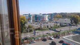 1-комнатная, улица Суворова 28. Индустриальный, частное лицо, 35 кв.м. Вид из окна днем