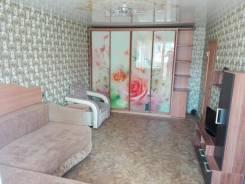 1-комнатная, улица Окатовая 11. Чуркин, частное лицо, 29 кв.м. Комната