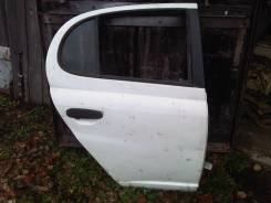 Дверь правая задняя для Toyota Platz