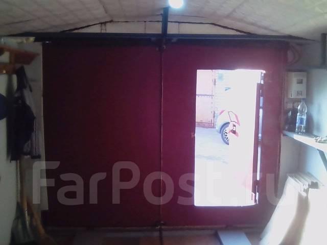 Продам гараж. Уральская 30, р-н Ленинский, 20 кв.м., электричество, подвал.