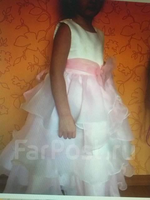 1132eb2b9c19e3a Продам очень красивое платье на девочку 2,5-4,5 лет - Детская одежда ...