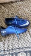 Спортивная обувь. 35