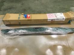 Вставка багажника. Toyota Corolla Axio, NZE164, NZE161