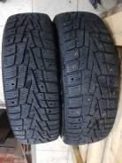 Roadstone Winguard WinSpike. Зимние, шипованные, 2012 год, износ: 10%, 2 шт