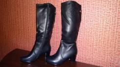 Распродажа женской зимней обуви в ассортименте (всё по 1300 р. ). Акция длится до 30 ноября