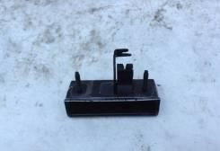 Ручка открывания багажника. Subaru Forester, SG9, SG5 Двигатели: EJ205, EJ203, EJ202, EJ255