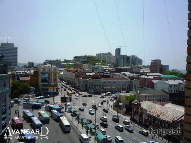 Комната, улица Мордовцева 3. Центр, 13 кв.м. Вид из окна днем