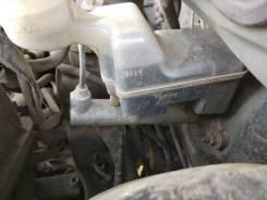 Цилиндр главный тормозной. Pontiac Vibe