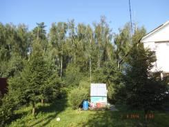 Продаю земельный участок 11 соток c 2-х эт. домом. 1 040 кв.м., собственность, электричество, вода, от частного лица (собственник)