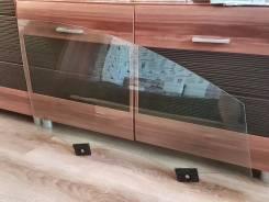 Стекло боковое. Audi Q7