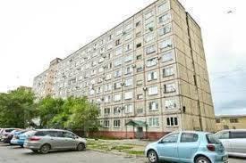 Гостинка, улица Горького 98. 2-ой поликл., агентство, 17 кв.м. Дом снаружи