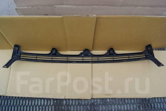 Решетка бамперная Toyota Land Cruiser Prado 53112-60200