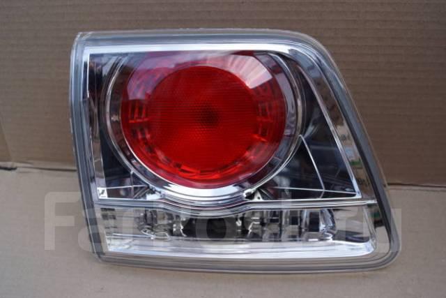 Стоп-вставка (фонарь задний) Toyota Fortuner