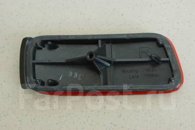 Катафот в бампер (отражатель бампера) Toyota Hiace Regius 93-10401