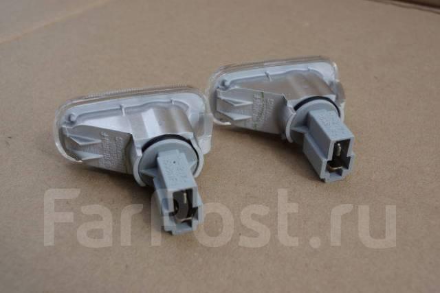 Поворотник на крыло (повторитель) Honda Zest 1199