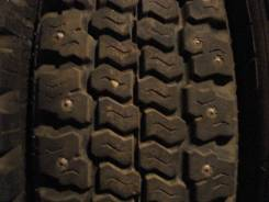 Bridgestone RD713. Зимние, шипованные, 2015 год, износ: 5%, 4 шт