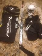 Шлем, сумка, клюшка и шорты хоккейного вратаря