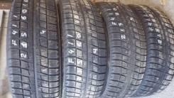 Bridgestone Blizzak Revo2. Зимние, без шипов, 2010 год, износ: 40%, 4 шт
