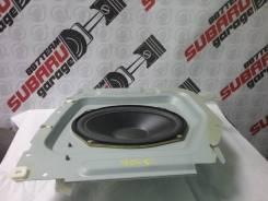 Штатный сабвуфер Subaru Forester SG5