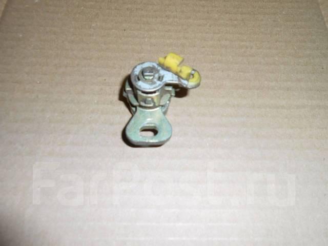 Личинка замка. Subaru Impreza, GG2