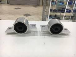Сайлентблок подушки двигателя. Nissan Cefiro, A33