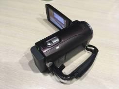 Sony HDR-CX250E. 9 - 9.9 Мп, с объективом