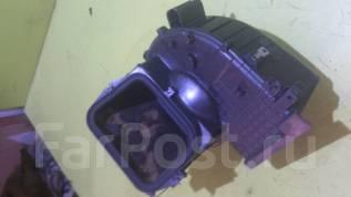 Корпус моторчика печки. Toyota Hiace, KZH106G, KZH106W Двигатель 1KZTE