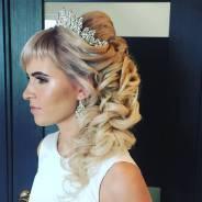 Ажурные косы, прически на выпускной и свадьбу.