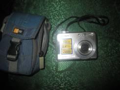 Sony Cyber-shot DSC-S700. 7 - 7.9 Мп, зум: 3х