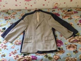 Отдам бесплатно 2 мужских пиджака и парадную форму ВМФ старого образца