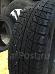 Bridgestone Blizzak Revo2. Зимние, без шипов, 2009 год, износ: 40%, 2 шт