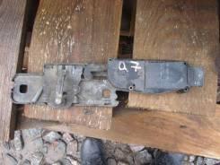 Ответная часть замка багажника 4F9827383D