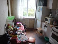Комната, улица Черняховского 19. 64, 71 микрорайоны, частное лицо, 8,0кв.м. Комната