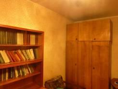1-комнатная, улица Бестужева 20. Эгершельд, частное лицо, 32кв.м. Вторая фотография комнаты