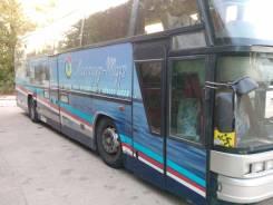 Neoplan. Автобус неоплан, 14 600 куб. см., 48 мест