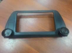 Консоль (рамка) магнитолы (магнитофона) Toyota Camry, Vista CV40, SV40 б/у