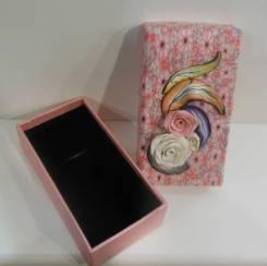 Подарочная коробочка с керамическими цветами 14*8*4см