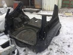 Задняя часть автомобиля. Lexus RX300, MCU15
