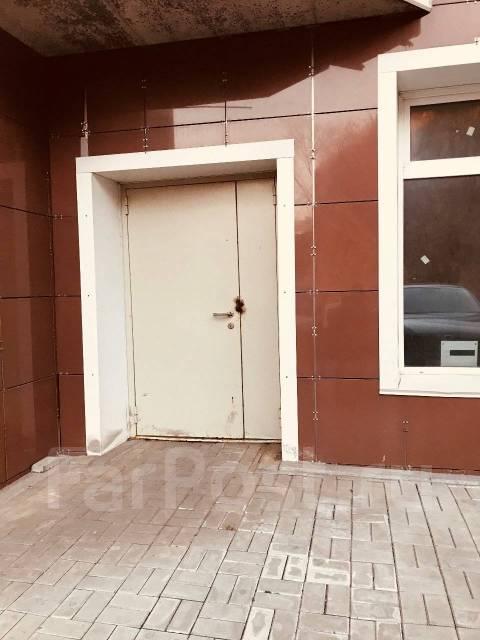Продажа нежилого помещения. Улица Прапорщика Комарова 58, р-н Центр, 114 кв.м.